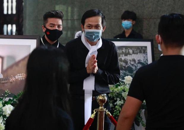 Netizen bênh vực NS Hoài Linh, chỉ ra lý do chậm trễ từ thiện: Chú là con người, cũng cần có thời gian lành lại những vết thương lòng - Ảnh 3.