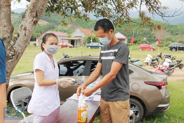 Khẩn: Bắc Giang yêu cầu người dân không ra khỏi nhà - Ảnh 1.