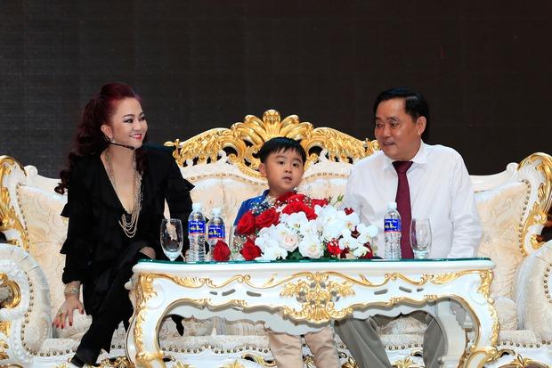 Con trai bà Phương Hằng và đại gia Dũng lò vôi: Được trao chức Chủ tịch khi tròn 1 tuổi, thành tỷ phú bé nhất Việt Nam! - Ảnh 3.