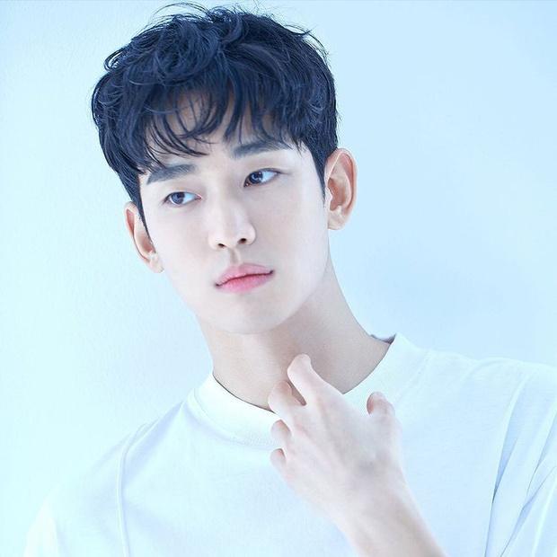 6 nam thần không tuổi ở phim Hàn: Song Joong Ki bị thời gian bỏ quên nhưng anh Diệt Seo In Guk mới gây bất ngờ - Ảnh 6.
