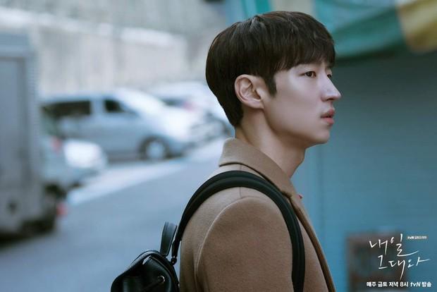 6 nam thần không tuổi ở phim Hàn: Song Joong Ki bị thời gian bỏ quên nhưng anh Diệt Seo In Guk mới gây bất ngờ - Ảnh 22.