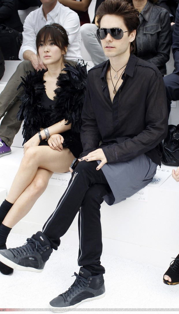 Hot lại ảnh Song Hye Kyo sánh đôi bên tài tử Joker 10 năm trước, visual quá khác lạ nhưng chiếm trọn spotlight giữa sự kiện quốc tế - Ảnh 6.