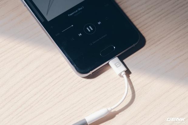 Tổng giám đốc BKAV: Bphone tiên phong loại bỏ jack cắm tai nghe 3.5mm, các hãng smartphone khác cũng đi theo xu hướng này - Ảnh 1.
