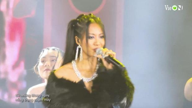 Từ HLV đến thí sinh đều cháy hết mình, Rap Việt All-Star Concert lập luôn thành tích công chiếu đầy ấn tượng - Ảnh 5.