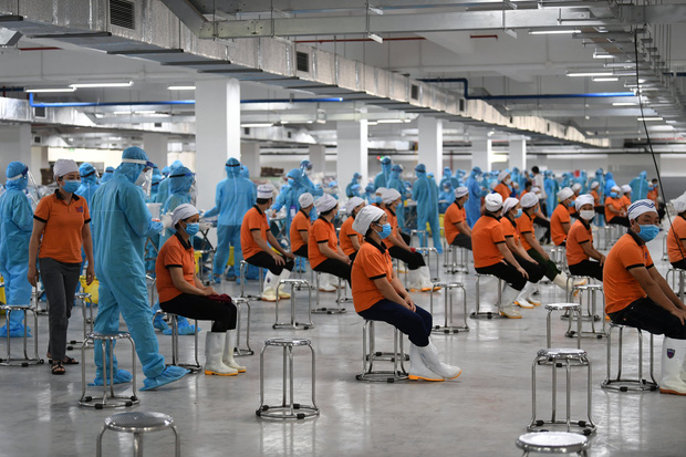 Bộ Y tế họp khẩn: 55% F1 thành F0 tại 1 ổ dịch, Bắc Giang phải đẩy nhanh hơn nữa tiến độ xét nghiệm - Ảnh 2.
