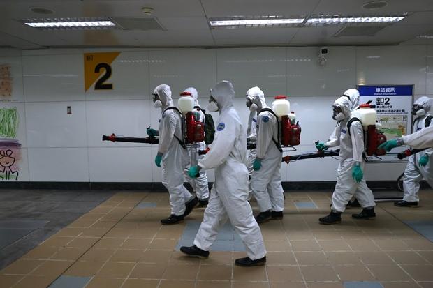 Đài Loan (Trung Quốc) duy trì mức cảnh báo cao và đóng cửa trường học vì Covid-19 - Ảnh 1.