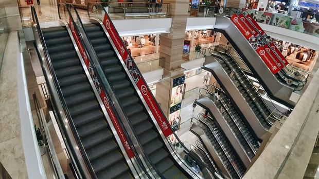 TP.HCM ra công văn KHẨN: Tổ chức giãn cách tại các chợ TTTM, siêu thị, truyền thống, chợ đêm, chợ đầu mối - Ảnh 1.