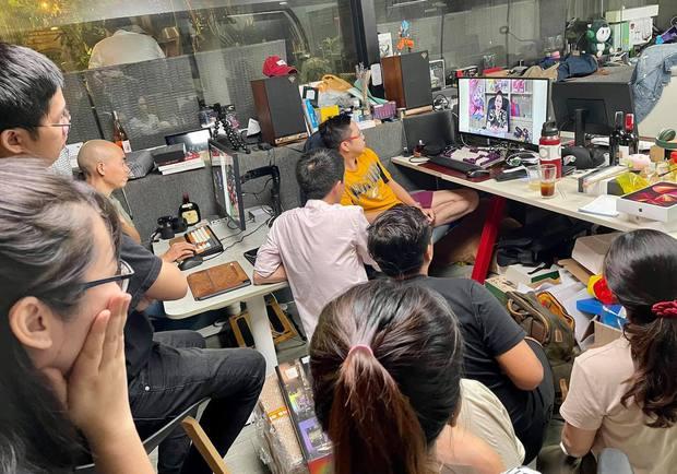 Hài hước khoảnh khắc cộng đồng mạng hóng livestream của bà Phương Hằng, như thế này không lập kỷ lục cũng uổng! - Ảnh 1.