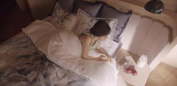 12 chi tiết giàu điên rồ của drama Mine: Nữ tu sĩ diện túi nghìn đô, thưởng nóng 16 tỷ để bịt miệng người ở - Ảnh 22.