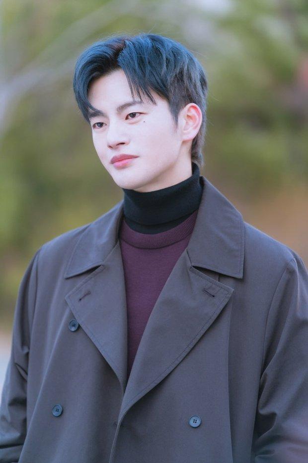6 nam thần không tuổi ở phim Hàn: Song Joong Ki bị thời gian bỏ quên nhưng anh Diệt Seo In Guk mới gây bất ngờ - Ảnh 27.