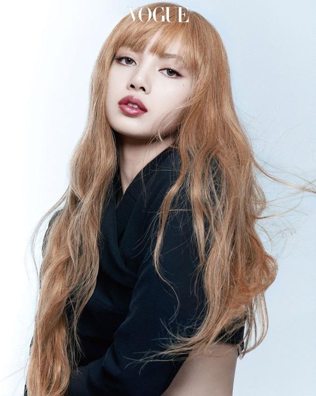 Trọn bộ ảnh tạp chí đang gây bão MXH của BLACKPINK: Rosé F5 tóc là lột xác hẳn, Lisa - Jisoo đột phá nhưng không át nổi Jennie - Ảnh 12.