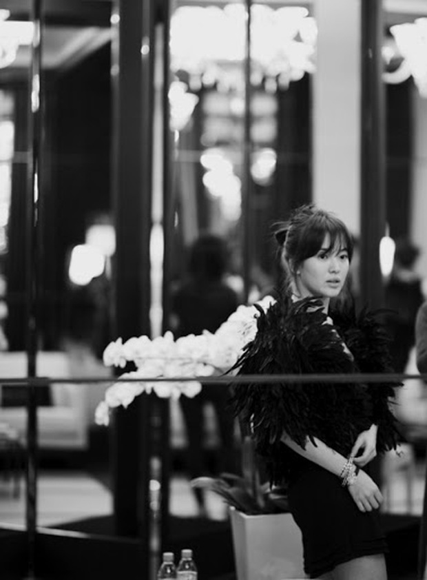 Hot lại ảnh Song Hye Kyo sánh đôi bên tài tử Joker 10 năm trước, visual quá khác lạ nhưng chiếm trọn spotlight giữa sự kiện quốc tế - Ảnh 7.