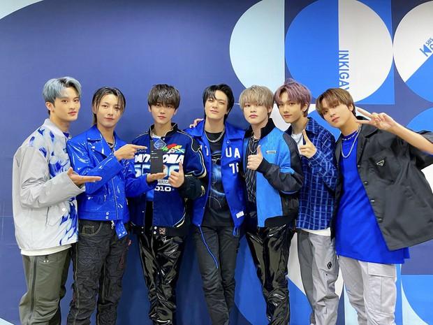 Boygroup Gen Z bán 2 triệu album vèo vèo đỉnh ngang ngửa BTS, ghi danh vào kỷ lục mọi thời đại - Ảnh 5.