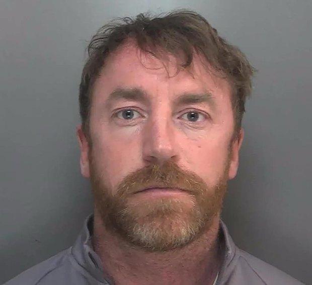 Đi chợ đăng ảnh cục phô mai vu vơ lên mạng, người đàn ông bị cảnh sát đến tận nhà tóm gọn và lĩnh án 13 năm tù - Ảnh 2.