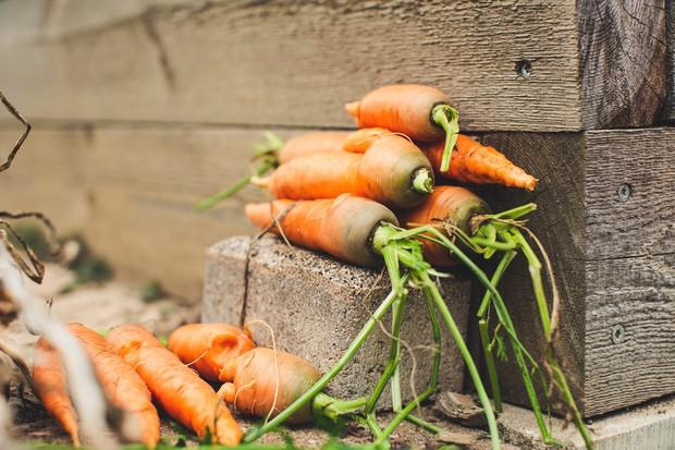 2 loại rau củ quen thuộc nếu ăn sống có thể gây rối loạn nhịp tim, loãng xương, thậm chí đột tử - Ảnh 2.