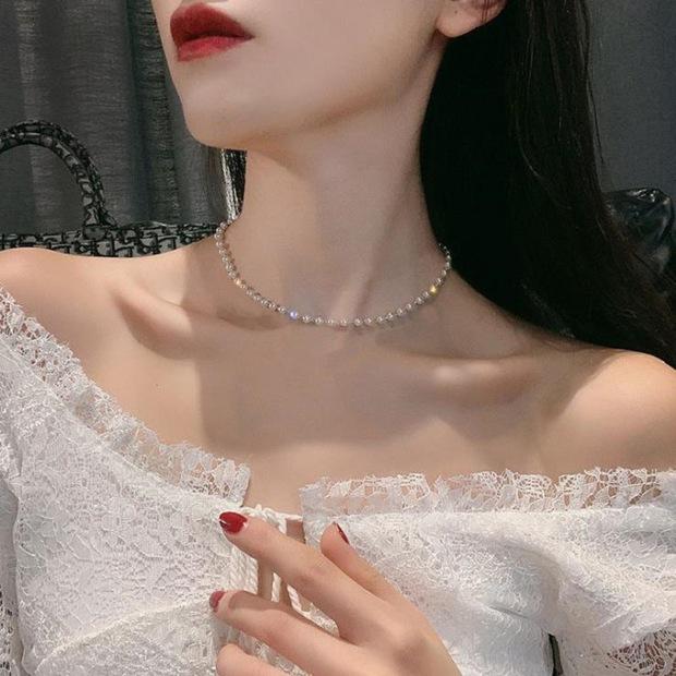 Jennie tặng Jessica vòng cổ ngọc trai 19 triệu: Có chỗ bán mẫu na ná chỉ 11k nhưng vẫn sang ơi là sang - Ảnh 6.