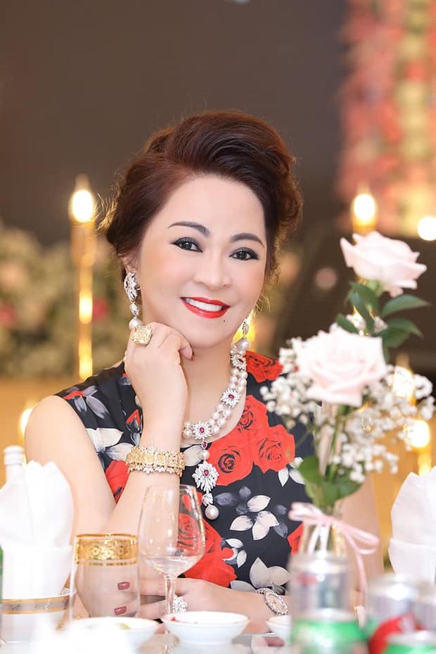 8 lý do khiến bà Phương Hằng càng livestream càng hot, không biết đó là ai cũng phải bấm vào xem! - Ảnh 1.