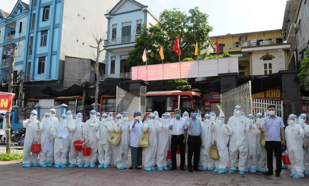 400 nhân viên y tế ra quân, test nhanh cho gần 19.000 công nhân và người dân tại 3 điểm nóng nhất của Việt Yên (Bắc Giang) - Ảnh 1.