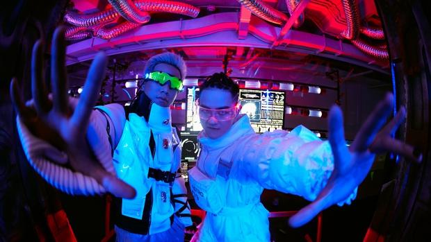 Hóa thân thành phi hành gia, Thanh Duy chơi lớn khi đầu tư hẳn cả… tàu vũ trụ tại The Heroes - Ảnh 7.