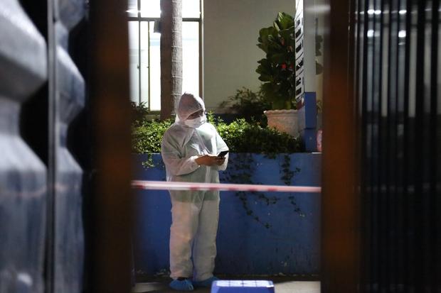 NÓNG: TP.HCM ghi nhận 1 ca nghi nhiễm Covid-19 làm việc tại Q.Phú Nhuận, từng đến BV Nhân dân Gia Định thăm khám - Ảnh 2.