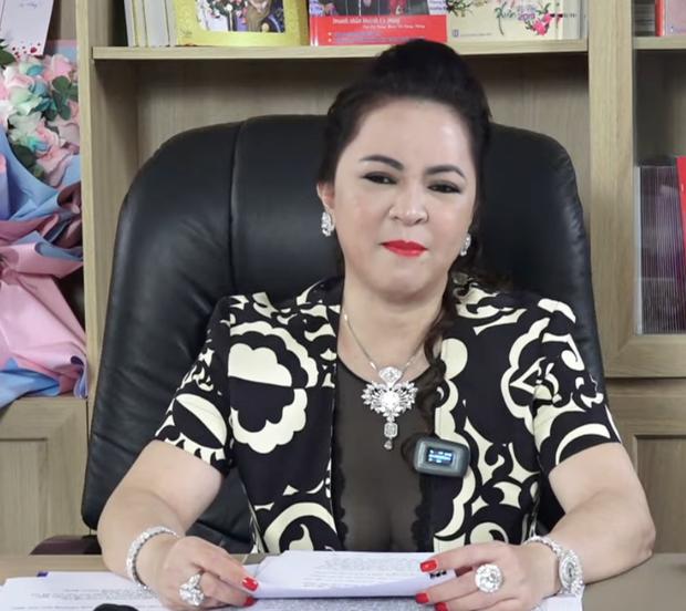 Lật lại phát ngôn tố Vy Oanh cách đây 2 năm của Thu Hoài, trùng hợp sao lại giống lời bà Phương Hằng kể trong livestream? - Ảnh 10.