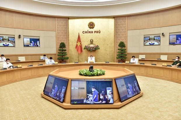 Thủ tướng triệu tập họp trực tuyến khẩn với Bắc Giang, Bắc Ninh về phòng chống COVID-19 - Ảnh 2.