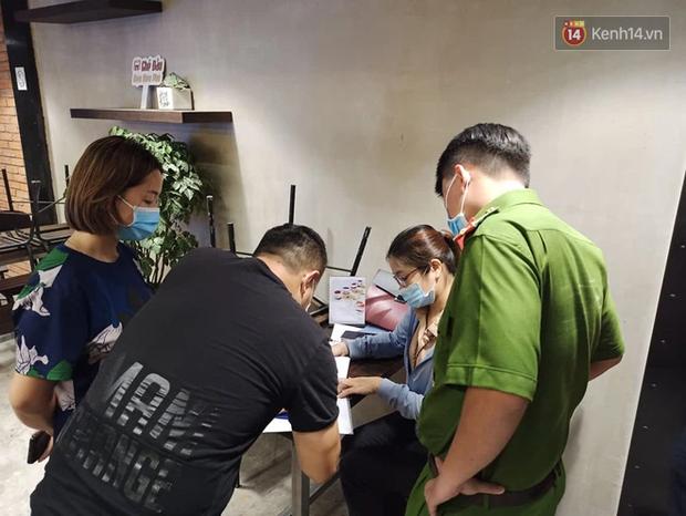 3 quán cafe ở Sài Gòn bị xử phạt 60 triệu đồng vì nhận hàng chục khách ngồi tại chỗ - Ảnh 4.