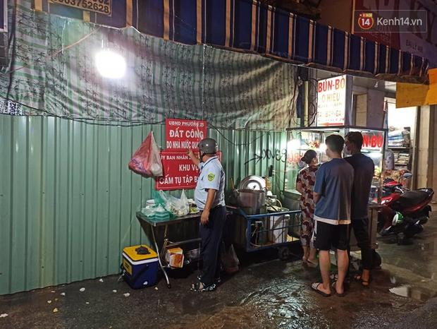 3 quán cafe ở Sài Gòn bị xử phạt 60 triệu đồng vì nhận hàng chục khách ngồi tại chỗ - Ảnh 8.