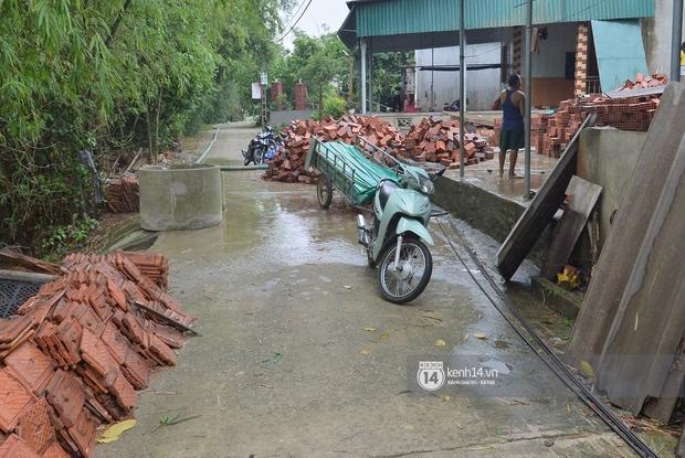 Người dân vùng lũ Hà Tĩnh nói về khoản 13,7 tỷ quyên góp của NS Hoài Linh: Khi nước rút mới là lúc cần cứu trợ nhất, 1 nắm khi đói bằng 1 gói khi no - Ảnh 3.