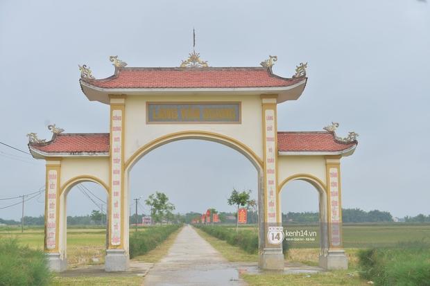 Người dân vùng lũ Hà Tĩnh nói về khoản 13,7 tỷ quyên góp của NS Hoài Linh: Khi nước rút mới là lúc cần cứu trợ nhất, 1 nắm khi đói bằng 1 gói khi no - Ảnh 7.