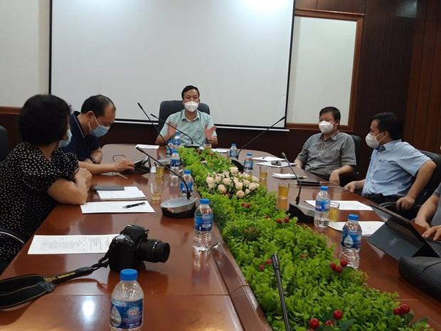 Bắc Giang họp khẩn trong đêm, lên phương án cụ thể về test nhanh tại 3 điểm nóng nhất tại Việt Yên - Ảnh 1.