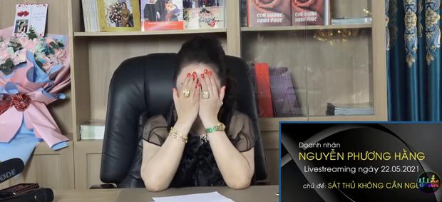 """""""Sáng mắt"""" với BST kim cương trĩu cổ, nặng tay của bà Phương Hằng mỗi tập livestream: Quý zị ai làm lại không? - Ảnh 3."""