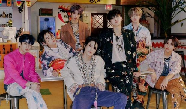 Boygroup Gen Z bán 2 triệu album vèo vèo đỉnh ngang ngửa BTS, ghi danh vào kỷ lục mọi thời đại - Ảnh 2.