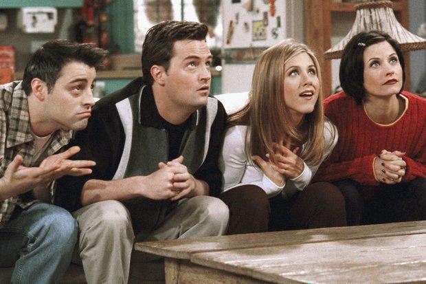 Dàn cast Friends không nén nổi xúc động, bật khóc ngay khi trở về trường quay năm nào - Ảnh 3.
