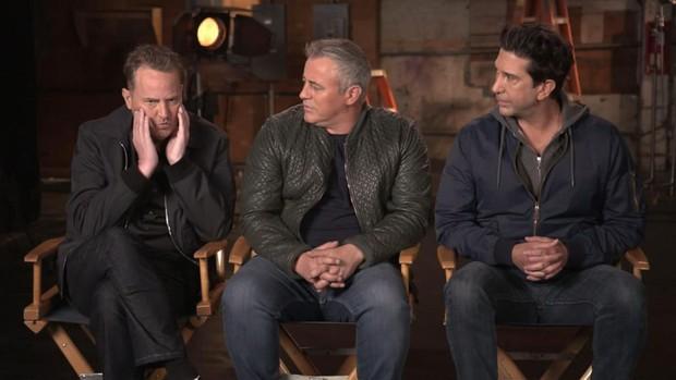 Dàn cast Friends không nén nổi xúc động, bật khóc ngay khi trở về trường quay năm nào - Ảnh 5.