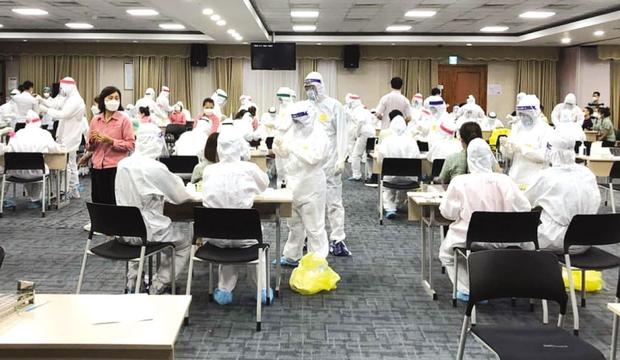 Bắc Ninh ghi nhận thêm 59 ca dương tính với SARS-CoV-2, 7 người phải thở máy - Ảnh 2.