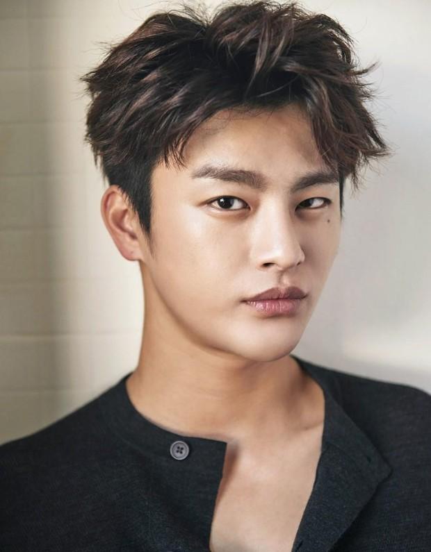 Giảm cân là cách trùng tu nhan sắc nhanh nhất: Nhìn màn lột xác của cặp đôi màn ảnh mới Park Bo Young - Seo In Guk là rõ! - Ảnh 16.
