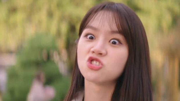 Thánh meme phim Hàn gọi tên Hyeri, Duk Sun của Reply 1988 vẫn chưa là gì so với phim mới - Ảnh 7.