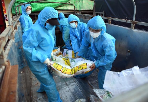 Gần 30.000 cán bộ y tế, sinh viên y dược đã có mặt, sẵn sàng đến Bắc Giang, Bắc Ninh dập dịch - Ảnh 1.