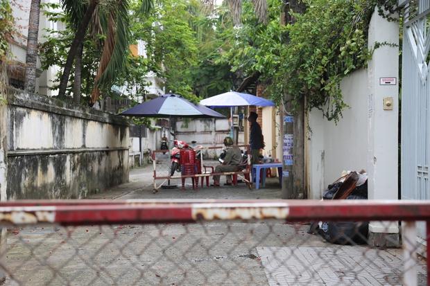 TP.HCM: Phong tỏa 2 địa điểm của 1 tiệm bánh tại phường Thảo Điền vì liên quan ca nghi nhiễm Covid-19 - Ảnh 2.