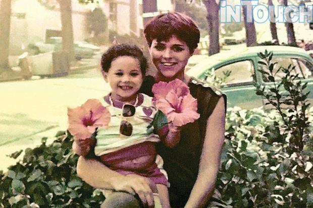 So sánh ảnh mới nhất của bé Archie với ảnh lúc nhỏ của Meghan Markle, cộng đồng mạng vô tình phát hiện ra chi tiết tố nàng dâu hoàng gia nói dối - Ảnh 2.
