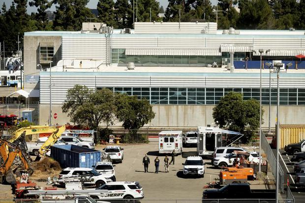 Mỹ: Xả súng tại California, 9 người thiệt mạng, nhà nghi phạm bốc cháy - Ảnh 1.