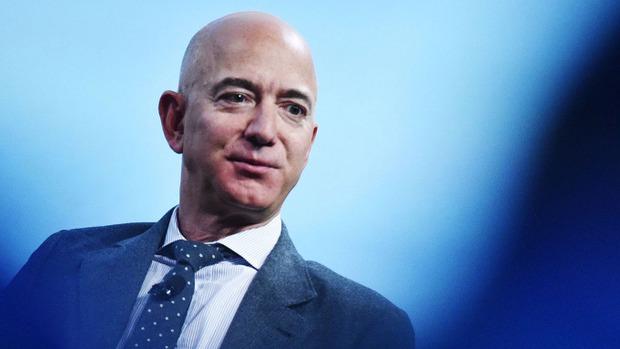 Amazon bỏ 8,54 tỷ USD mua hãng phim sở hữu James Bond, tỷ phú Jeff Bezos hé lộ tham vọng khổng lồ - Ảnh 3.