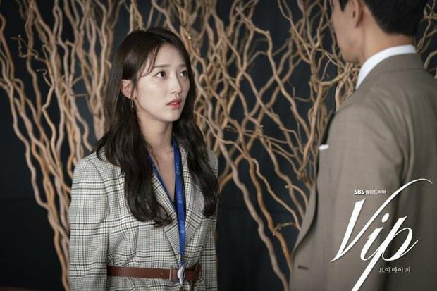 4 tiểu tam gây kinh hãi trên màn ảnh Hàn: Ác nữ drama Mine hóa ra còn hiền chán - Ảnh 6.
