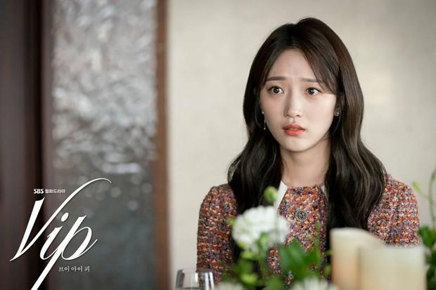 4 tiểu tam gây kinh hãi trên màn ảnh Hàn: Ác nữ drama Mine hóa ra còn hiền chán - Ảnh 7.