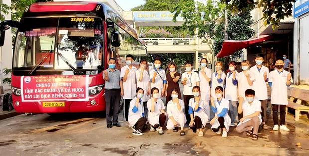 Chùm ảnh đẹp: Hàng ngàn sinh viên các trường Y dược lên đường hỗ trợ Bắc Ninh, Bắc Giang chống dịch COVID-19 - Ảnh 2.