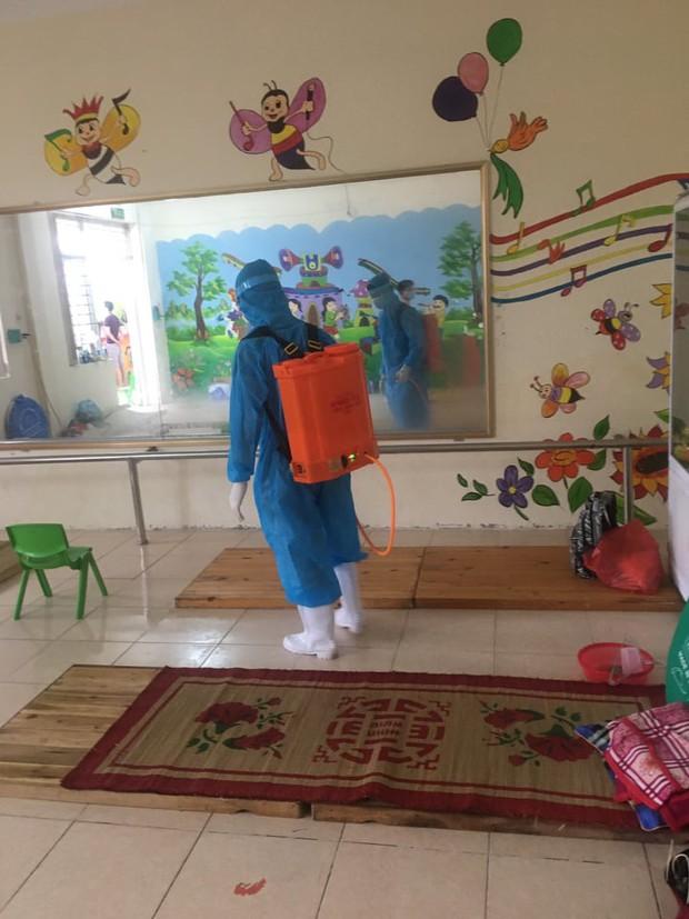 Nước mắt nữ bác sĩ tại tâm dịch Bắc Giang khi nghe giọng con gái 3 tuổi qua điện thoại: Mẹ bắt hết con Covid rồi về với con... - Ảnh 10.