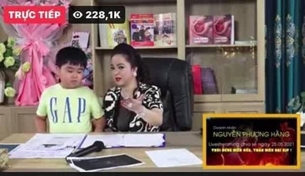 Vừa đặt lịch livestream tối 29/5, fanpage chính thức của bà Phương Hằng bỗng dưng bốc hơi giữa đêm - Ảnh 3.