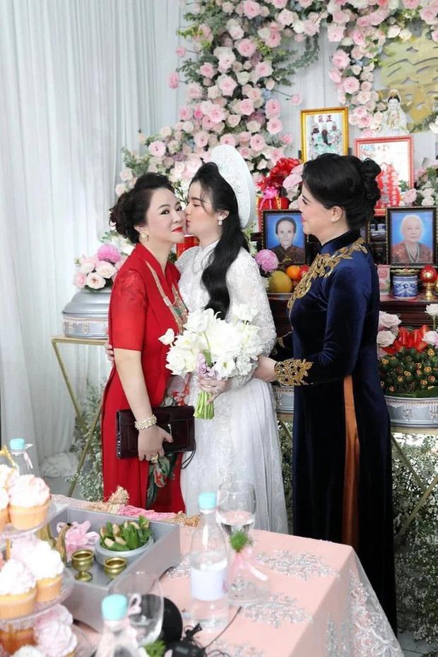 Lộ ảnh mặt mộc hiếm hoi của con dâu bà Phương Hằng, vẻ ngoài giống mẹ chồng đại gia đến bất ngờ - Ảnh 3.
