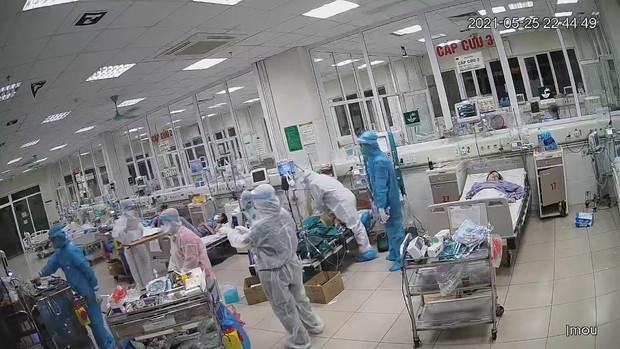 11 bệnh nhân Covid-19 nặng và siêu nặng được cứu sống thần kỳ tại Bệnh viện Bệnh Nhiệt đới Trung ương - Ảnh 1.